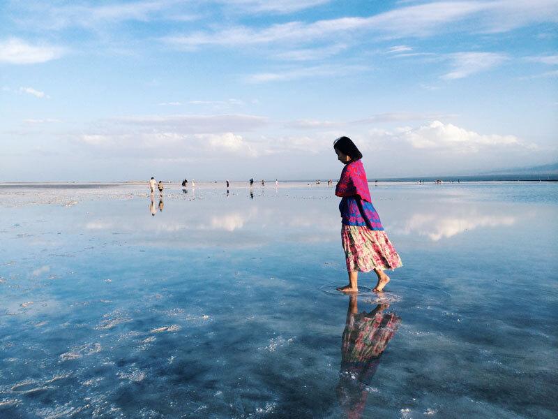 Lạc lối giữa hồ muối tự nhiên hoàn tráng bậc nhất Trung Quốc