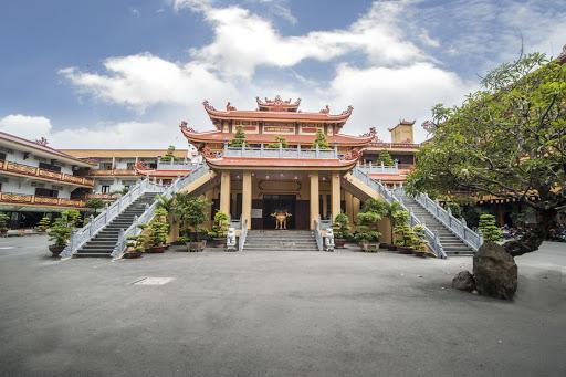 Thăm quan chùa Phổ Quang – điểm đến của sự thanh tịnh